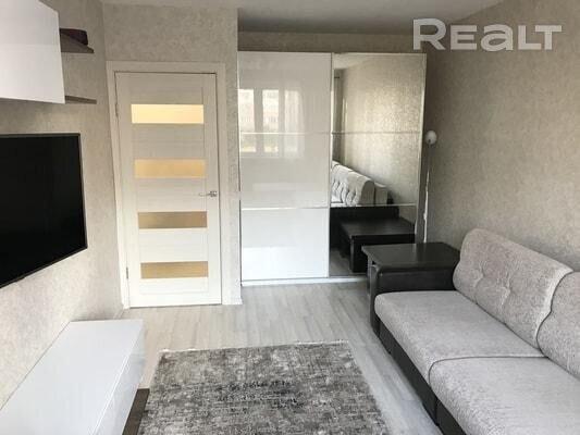Продажа 1 комнатной квартиры в г. Минске, ул. Налибокская, дом 21 (р-н Каменная горка)