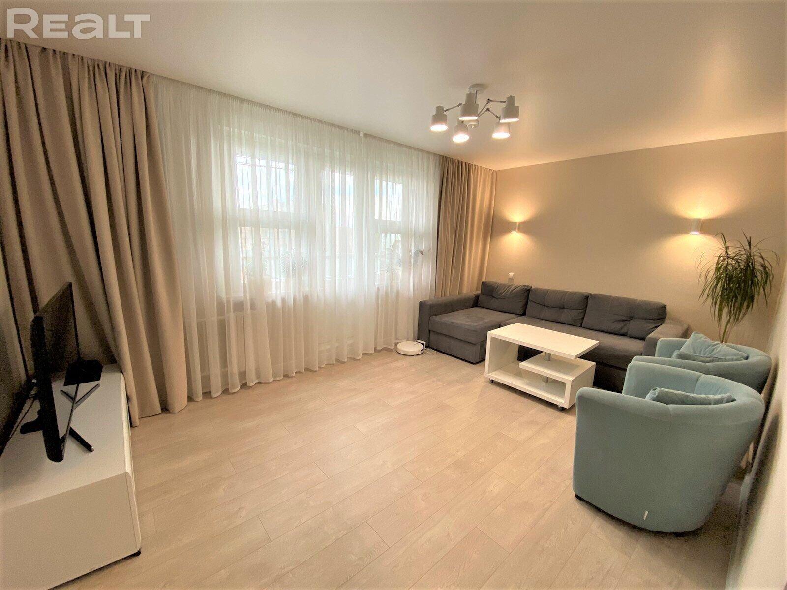 Продается 3-ех комнатная квартира с отличной планировкой и отличным ремонтом!