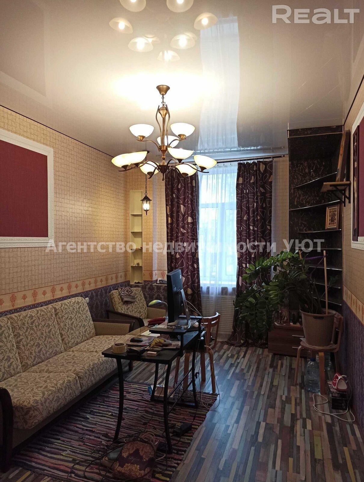 Продается 2-комнатная квартира, ул. Кирова