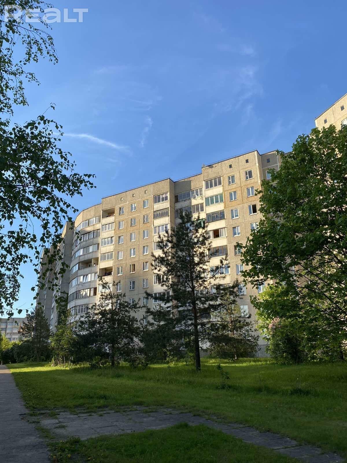 Продажа 3-х комнатной квартиры в г. Минске, ул. Руссиянова, дом 32-2 (р-н Уручье). Цена 174 960 руб c торгом