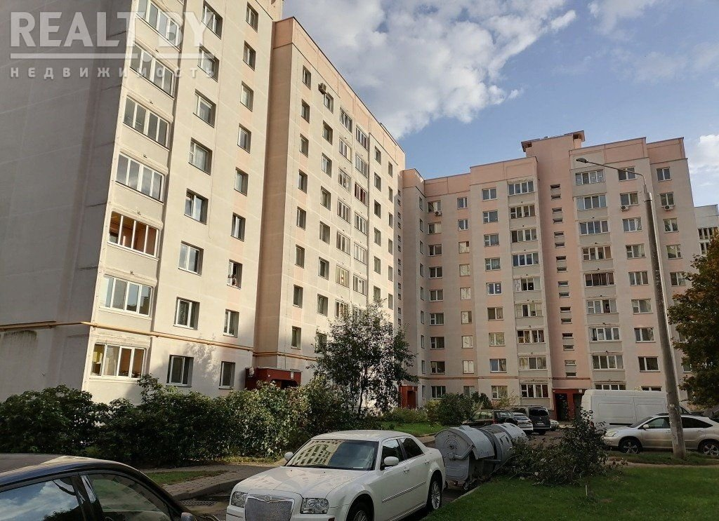 Продажа 1/2 доли в 3-комнатной квартире в г. Минске, ул. Козыревская, дом 18 (р-н Маяковского). Цена 85 792 руб c торгом