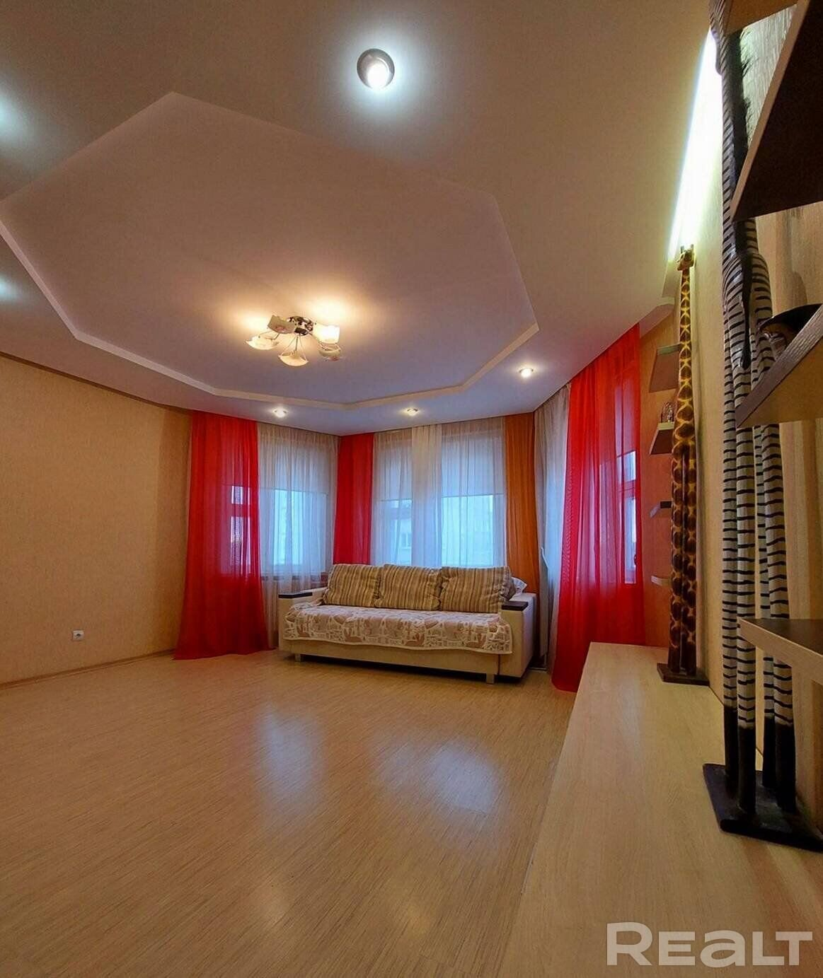 Продажа 2-х комнатной квартиры в г. Минске, ул. Лещинского, дом 37 (р-н Кунцевщина). Цена 238 350 руб c торгом