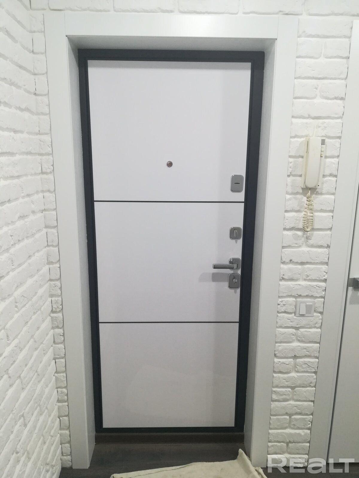 Продажа 2-х комнатной квартиры в г. Гомеле, ул. Тимофеенко, дом 12 (р-н Старый аэродром). Цена 139 479 руб c торгом