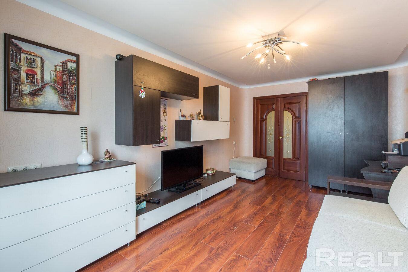 Продажа 2-х комнатной квартиры в г. Минске, ул. Скрипникова, дом 42 (р-н Запад, Красный Бор). Цена 187 868 руб c торгом