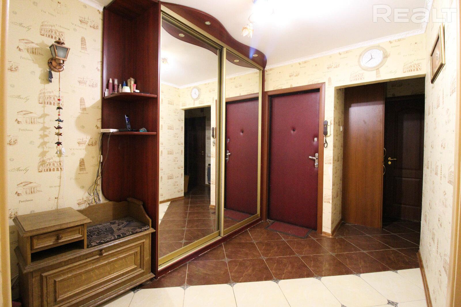 Продается 4-х комнатная квартира, ул. Лынькова д.15-В - фото №9